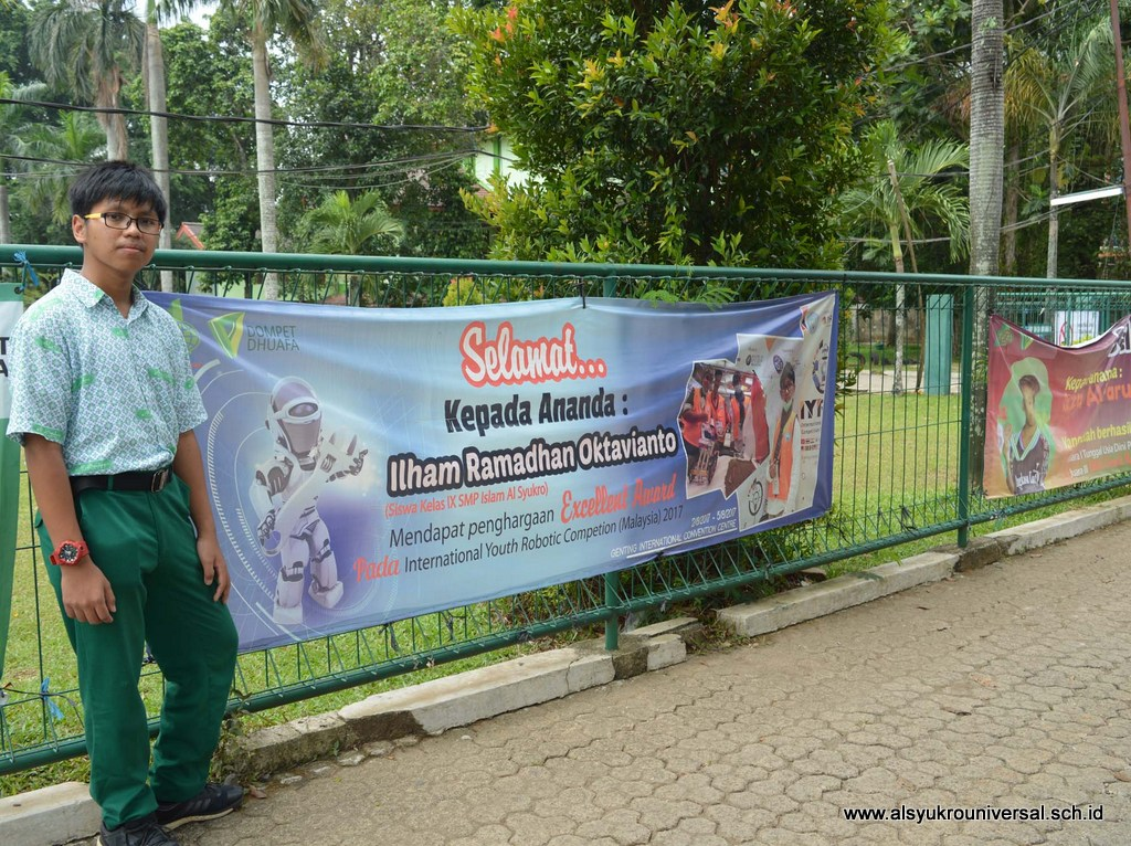 Ilham Ramadhan Oktavianto Raih Excellent Award