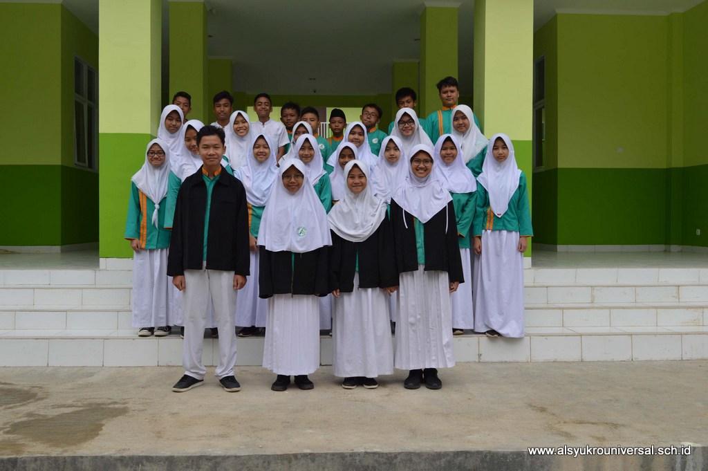 Pelantikan Pengurus OSIS SMP Islam Al Syukro Universal Periode Tahun 2017/2018