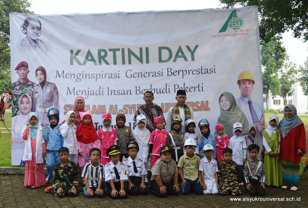 SD Islam Al Syukro Universal Adakan Kartini Day